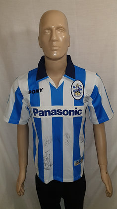 1997/98-1998/99 Huddersfield Town Home Shirt (Signed)