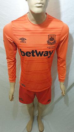2015/16 West Ham United Away Goalkeeper Shirt and Shorts