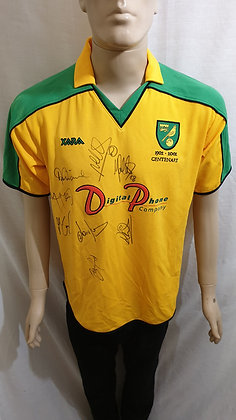 2001/02-2002/03 Norwich City Home Shirt (Signed)