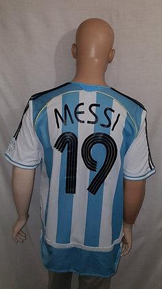 2006-2007 Argentina Home Shirt MESSI 19