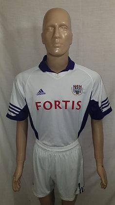 2001/02 RSC Anderlecht Home Shirt and Shorts
