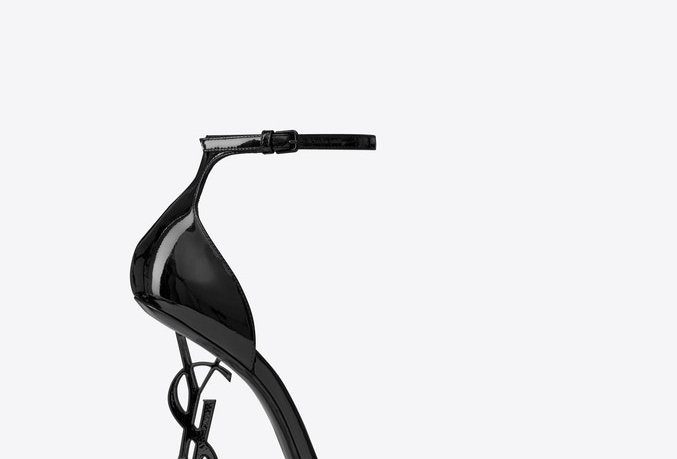 SLO sandals in patent leather with black heel