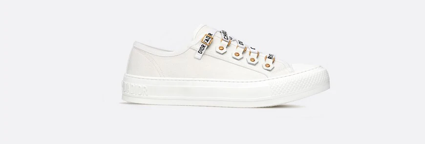 WN low-top sneaker in white canvas