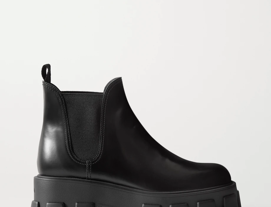 60 glossed-leather platform Chelsea boots