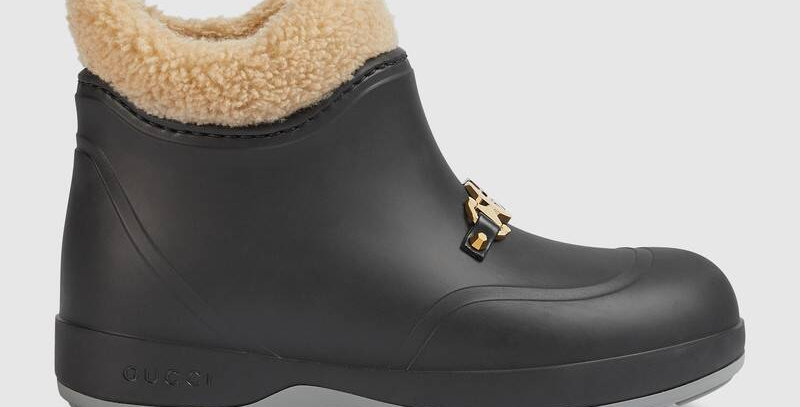 Black rubber ankle boot