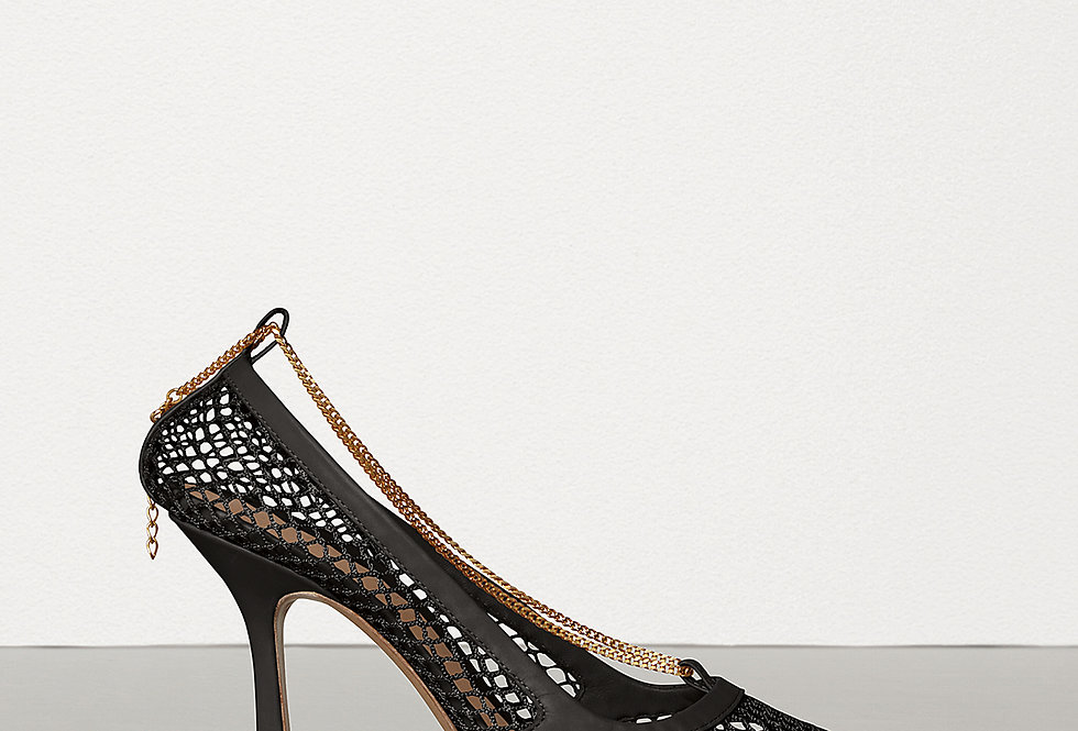 Black chain-embellished pumps