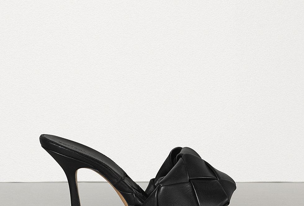 Intrecciato leather mules