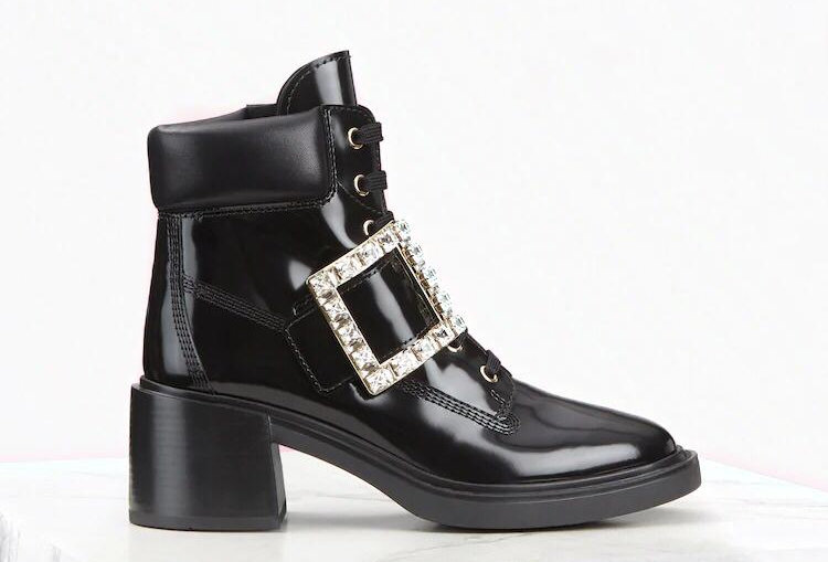 VR strass buckle ankle boots in leather
