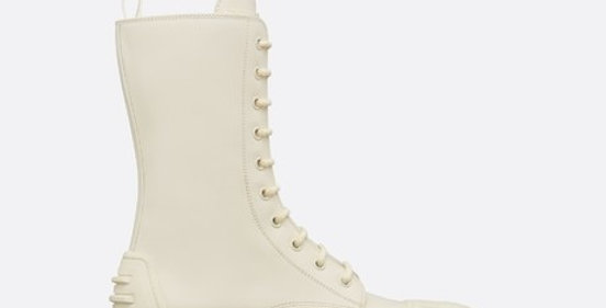 White D ankle boot