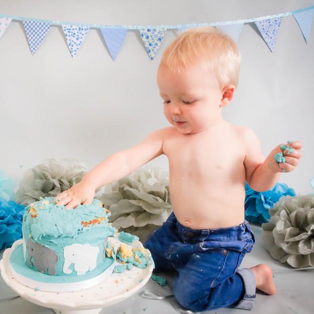 Noah's Cake smash-161.jpg