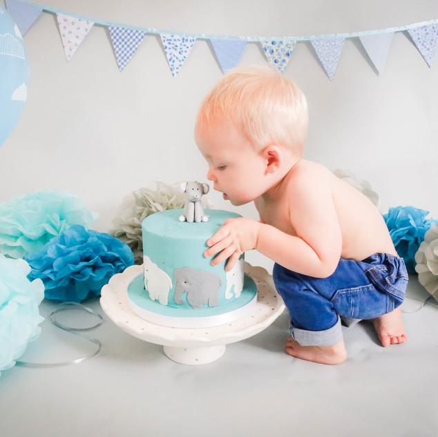 Noah's Cake smash-94.jpg