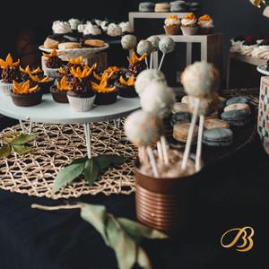 bb-cakes-macarons-cajva-logo-mark-emblem