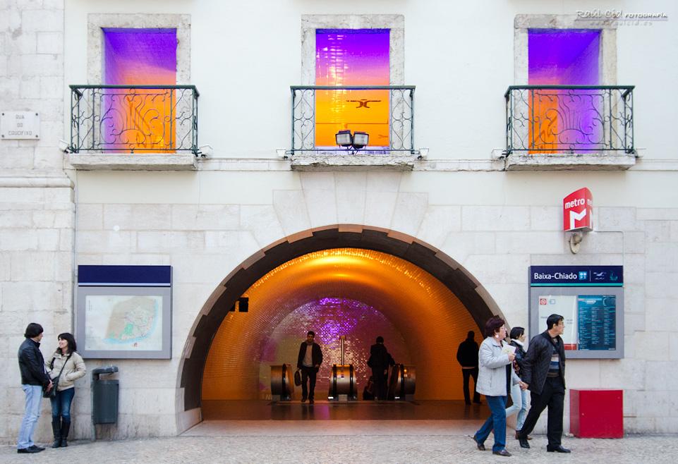 Entrada al metro Baixa-Chiado
