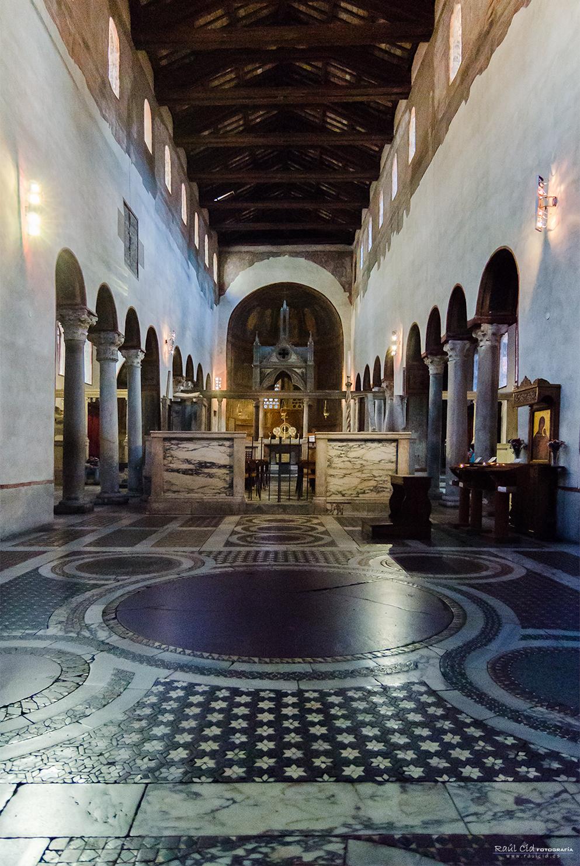 Interior de Sta María in Cosmedin
