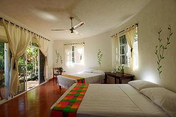 RECORRIDO-POR-HABITACIONES-DEL-HOTEL.jpg
