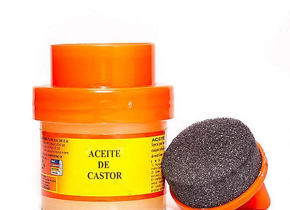Frasco con aceite de castor para hidratar la piel de los zapatos