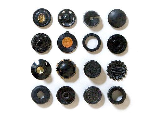 16 Black Things