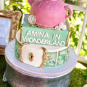 Amina in wonderland