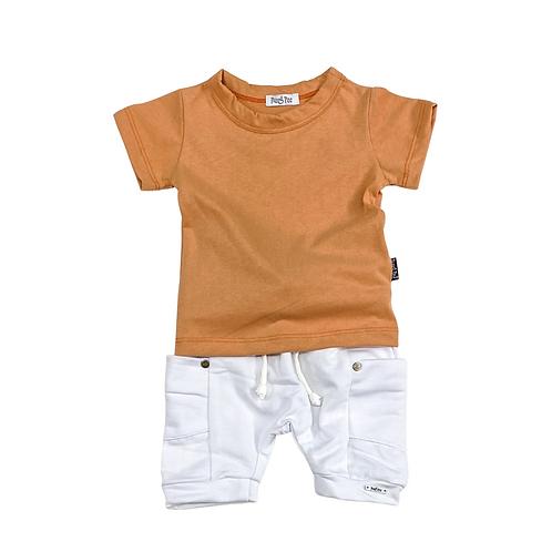 Conjunto de Camiseta e Shorts de Moletom