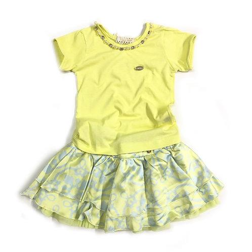 Blusa de Malha Verde Limão e Saia Estampada