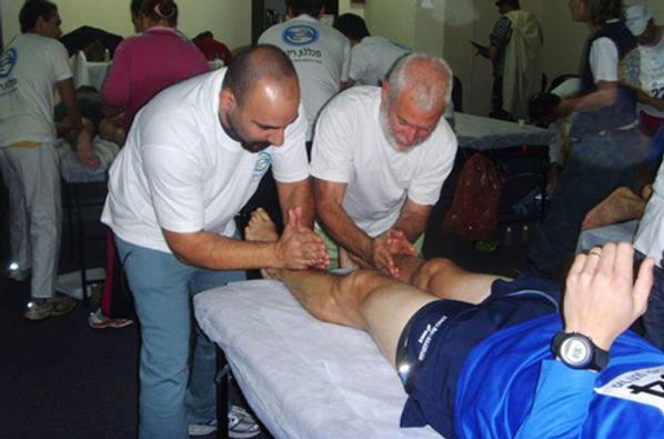 טיפול ברץ מרתון טבריה עיסוי ספורטאים דודי פוקס - התנדבות באירועי ספורט