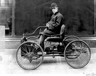 Henry Ford e veículo