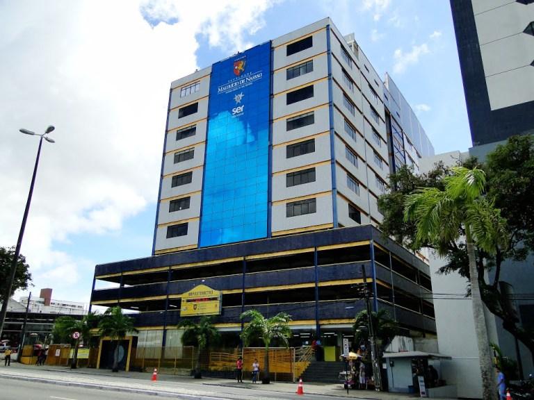 Faculdade Maurício de Nassau não consegue fechar turmas e prejudica alunos matriculados no período 2017.1