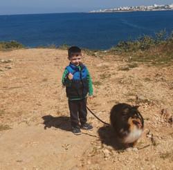 Nina col suo padroncino a Malta