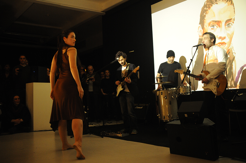 Hypnotized, Agnès b, Paris - 2013 - Performance