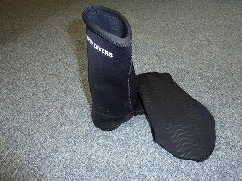 N017 Neoprene socks