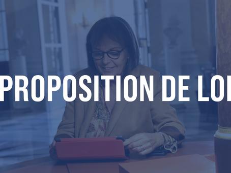 Affirmer le caractère de service public national de l'exploitation des aérodromes de Paris,