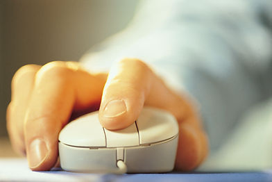 pic of hand on mouse