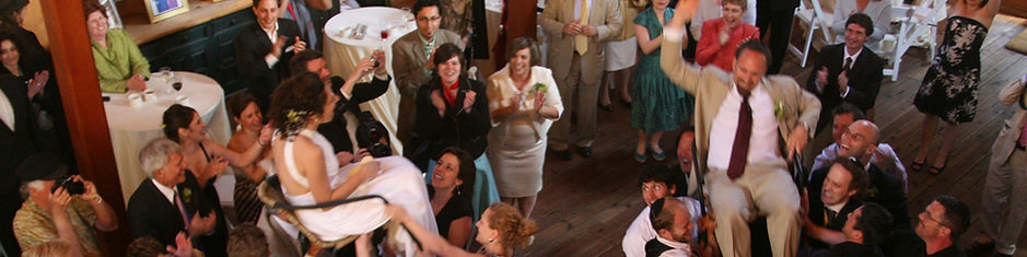 Publikum feiert Hochzeit DJ Ollo