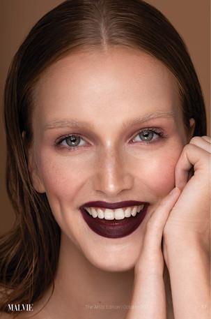 Malvie French Magazine - issue October 2020  Photo: Vivian Hoi Ling Wong Model: Iris Maas - Agency: Matt Faces Makeup & Hair: Cristina Rosu Retoucher: Irina Dubova