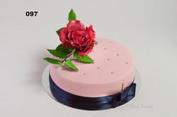 торт з цукровою трояндою
