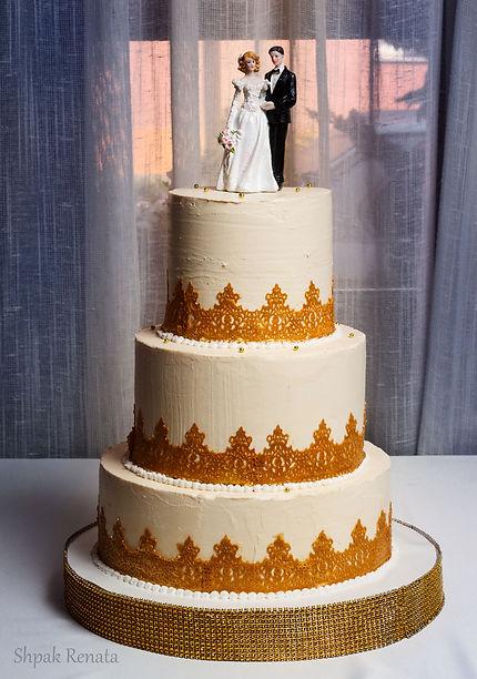 Весільний торт з кружевами