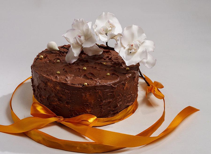 Торти з цукровими квітоми