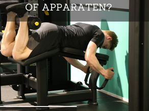 Trainen met apparaten of met losse gewichten? Wat is beter?