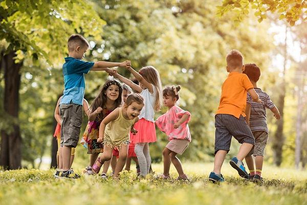 kids-play-outdoors-989x660.jpg