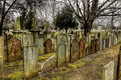 cemetery-2650712_1920.jpg