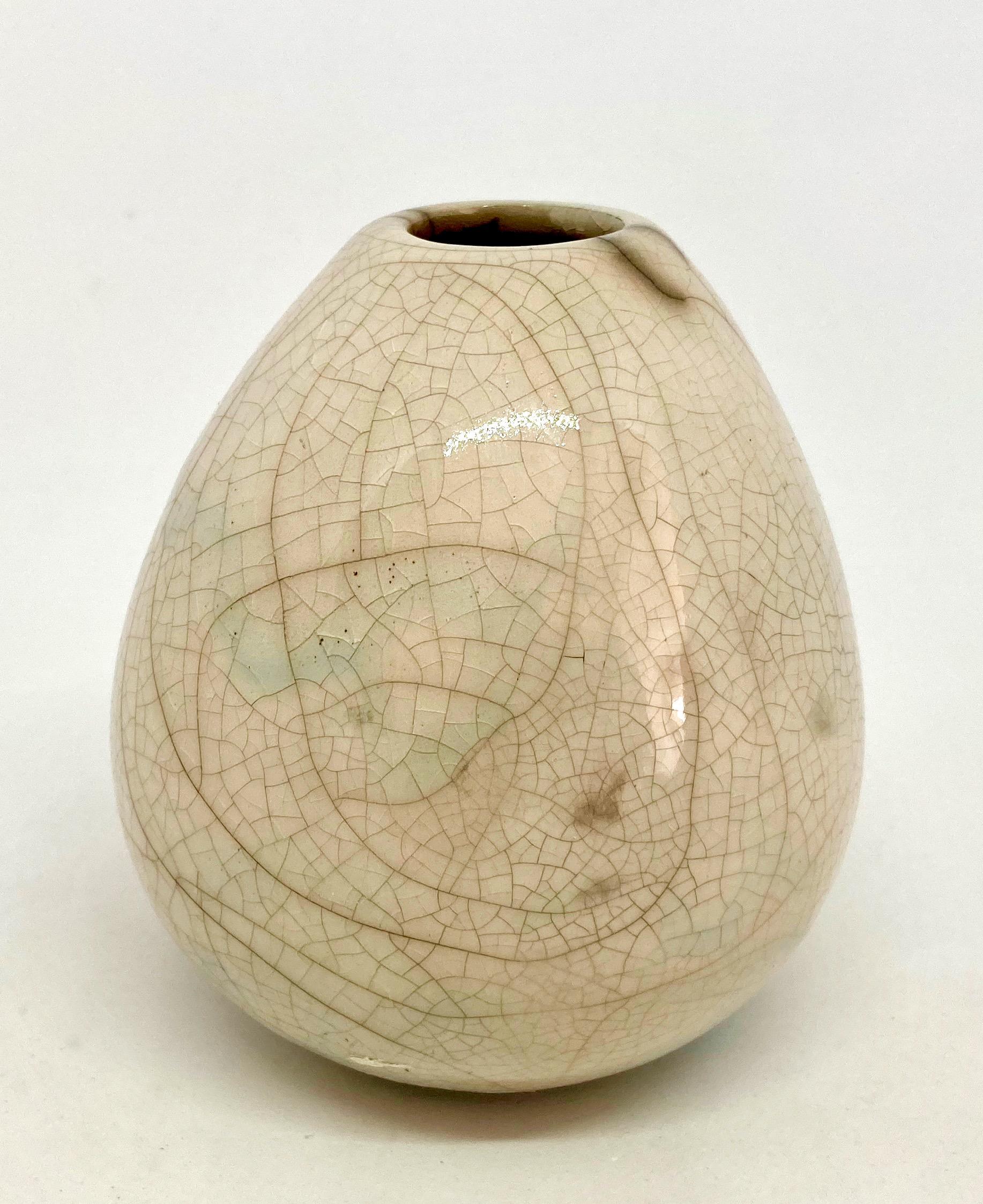 Vase H