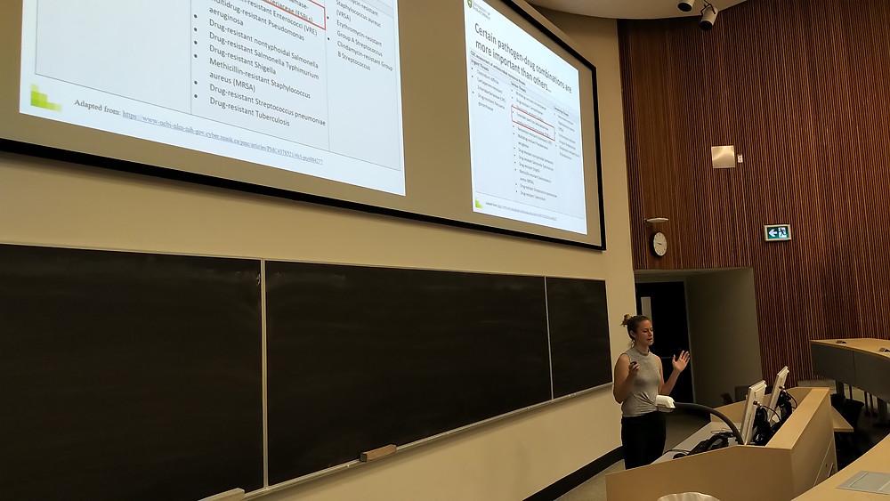 Rachel presenting her MSc talk
