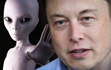 Elon Musk Confirma que é um 'ALIENÍGENA'