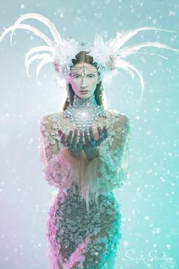 Ice_Crystal_9737_snow_XP_sm.jpg