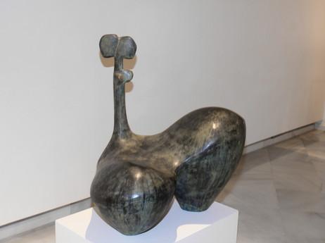 Mujer Sentada con Cuerpo Fino, 2005