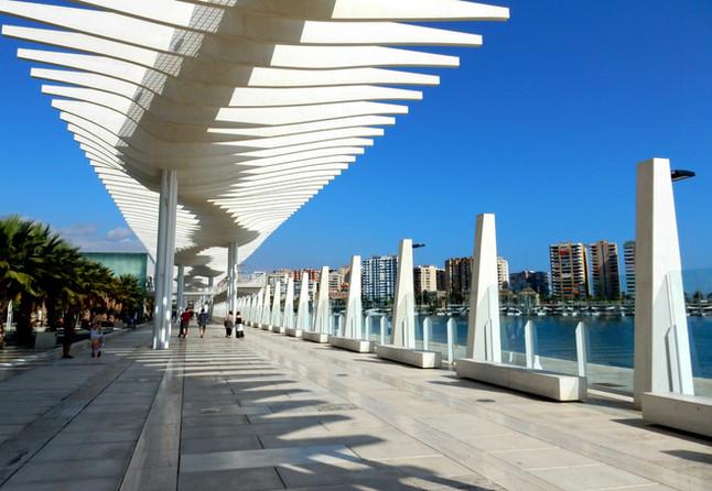 """Inauguración exposición de Elena Laverón """"Caminantes en el puerto"""""""