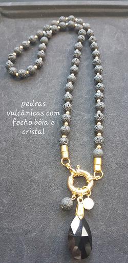 COLAR_PEDRAS_VULCANICAS_COM-FECHO-BOIA-E
