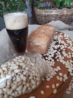 Pão de Cerveja Preta e Amendoim Levement