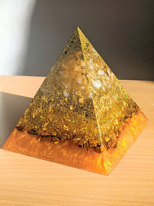"""NEW! LARGE Soul's Gold Orgonite Pointy Protection Pyramid (4.5"""" Tall)"""