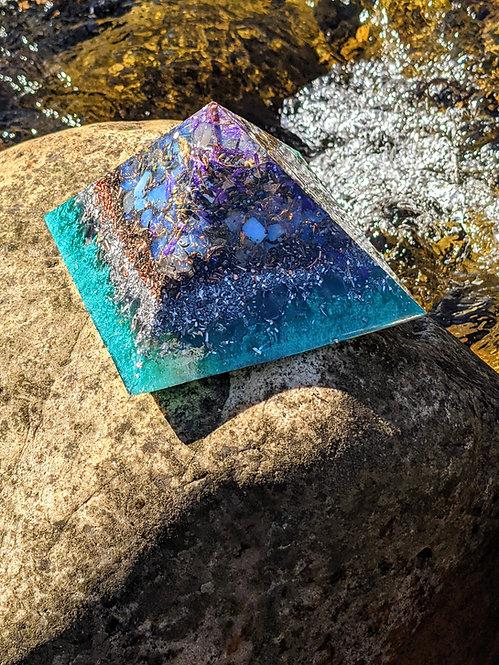 """NEW! GIZA 'Healing Waters' Orgonite Crystal Pyramid (4"""" sq inch base)"""
